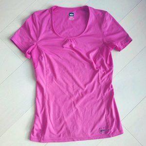 REI Hiking T-shirt tee fits like XS-S